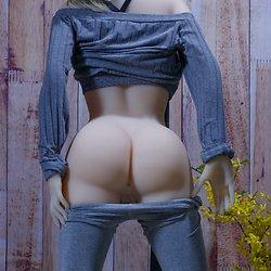 YL Doll YL-155/D body style with ›Elsa‹ head (Jinsan no. 201) - TPE